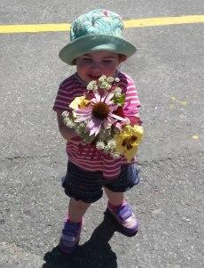 almonte-farmers-market-little-girl-bouquet